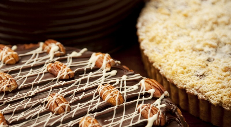 Large Cakes & Tarts
